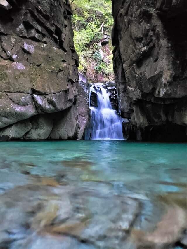アナギ滝 陰の滝